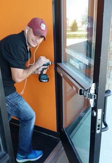 commircial-locksmith-in-att-arlington-texas-1